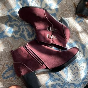 Clarks Maroon Ankle Booties 9M